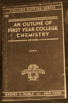 An Outline Of First Year College Chemistry, Lewis,
